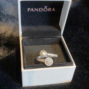 Jewelry - Pandora luminous ring